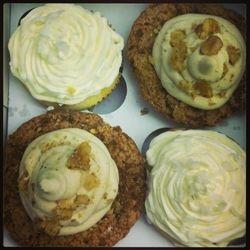 Summer Lovin' and Caramel Apple cupcakes