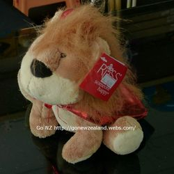 The little lion and his father you can find in our Thames store
