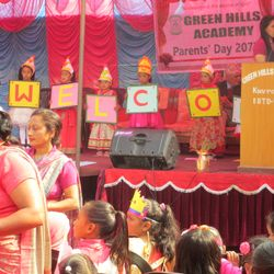 Kids Performing on Welcome Song during Parents' Day 2073