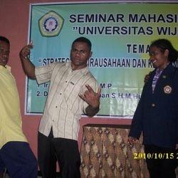 seminar mahasiswa papua universitas wijaya putra