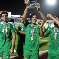 Younis Mahmoud lifts the 2009 UAE International Cup trophy