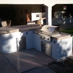Outdoor Kitchen (BBQ Island Model #6)