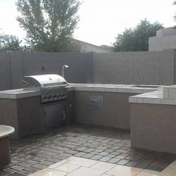Outdoor Kitchen (BBQ Island Model 5) Outdoor Firepit.
