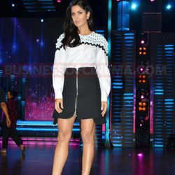 KATRINA KAIF ON THE SETS OF #DANCEINDIA ON STAR PLUS!