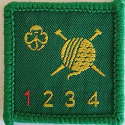 Knitter level 1 (newer trefoil)