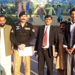 I.G police Sarmad Saeed Khan With Nazar Ul Hassan Nazar On seminar Police& Media Al Hamra art Hall Lahore. 9th Feb 2013