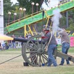 Cannons roar at the 2016 Fair