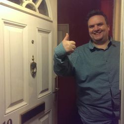 Night time locked out, Newquay locksmith got this happy family in there home and saved them over £200