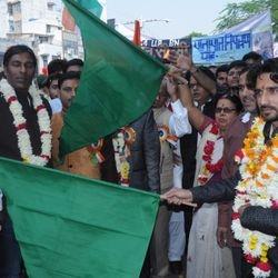रैली रवाना करते हुए शिवम् विश्नोई जी