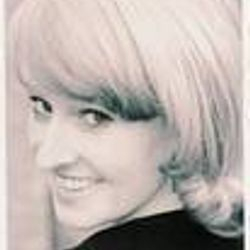 Emily Nelson (Blonde)