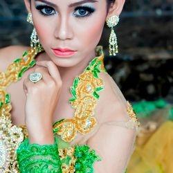 Foto Model kebaya Yogyakarta by photobege