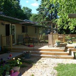 Cedar Deck with walkway