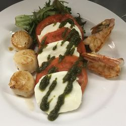 Shrimp and Scallop Caprese Salad