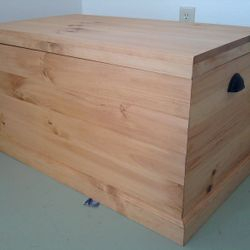 "Amish hope chest 36""x21""x20"" $235"