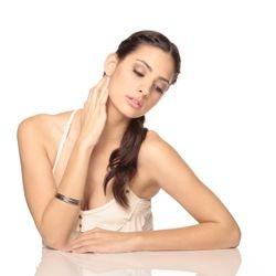 Model:Olga Safari, Makeup Artist:Vicky Zuniga