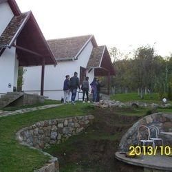 """20.10.2013. -  poseta bungalovima """"Jazačka bajka"""" vlasnika Pavla i Vere Utvić u Jasku"""