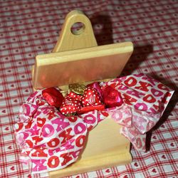 Adaptation of Pine Shaker Style Match Box filled with chocolate