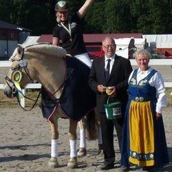 Bruksridning: Lida Sjödin - Hälge Viking (BDF)