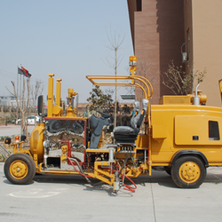 Big-Size Driving-Type Thermoplastic Spray Road Marking Machine