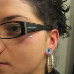micro dermal piercing