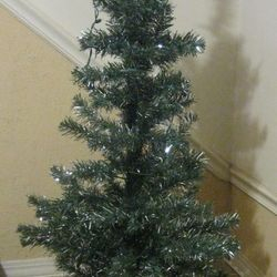 4' tall green/tinsel pine tree - unlit