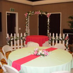 "4' wide Garden Arbor with 48"" round cake table"