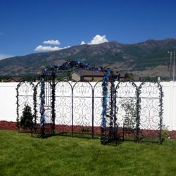 Tuscan Arch and Tuscan Trellis Panels backdrop - outdoor setup