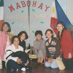 Angie, Eden, Sancha, Venus, Leonor and Maricel from the Philippines.(1998).