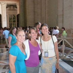 Vatican tour - between the columns of St. Peter's Square