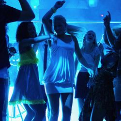 nightclub and Dance parties_djinmelbourne