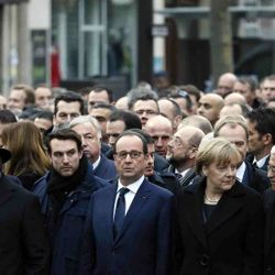 Unique March of Leaders arma-by arm in Paris against terror