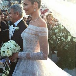 Ana Beatriz Barros escortd by her father heading to the wedding ceremony, of the most emotional moments