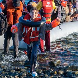 a young Syrian steps into #EU this morning 180 other #refugees #Lesvos #Greece #refugeesGr via Michael Honegger fb