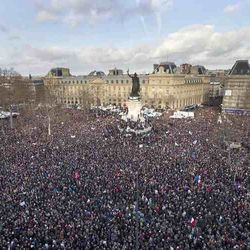 Paris, anti-terror march for Charlie, huge crowd