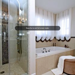 Master en-suite Richmond Hill