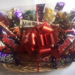 Mixed Sweetie & Chocolate Hamper