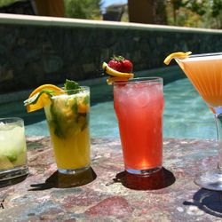 Culinary photography, cooling beverages poolside