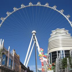 The Las Vegas Ferris Wheel, the Ling High Roller