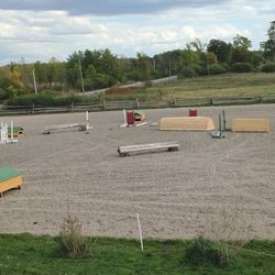 Upper sand ring with cross country schooling jumps
