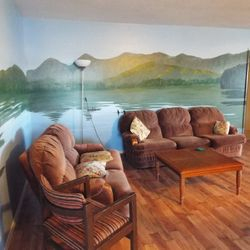 Otter Suite Lounge