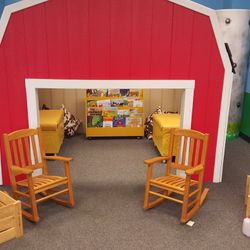 FARM ROOM- THE BARN! GRAB A BOOK AND START READING! CLASSROOM LIBRARIES ARE FOUND IN EVERY ROOM AND THE BOOKS CHANGE BASED UPON THE DAY OR LESSON.
