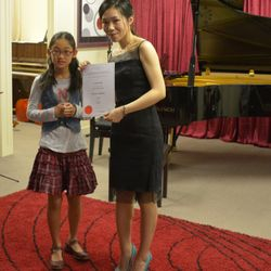 Lilian had a High Distinction in her Grade 3 piano exam! Congratulations!