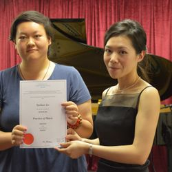 Congratulations! Pearl achieved an Honors in her Grade 8 piano exam!