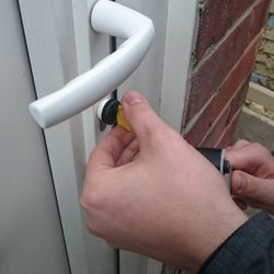 full locksmith training in Gateshead www,taylorslocksmiths.co.uk
