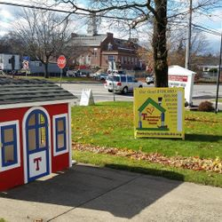 """The """"Tewksbury Pride"""" Playhouse auctioned off to support the build"""