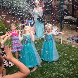 Snow machine Frozen Party Essex - The only way is entertainment - London - Kent