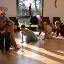 Silly Tilly Childrens Entertainer Party Essex - The only way is entertainment - London - Kent