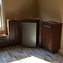 Corner Fridge/cabinet layout