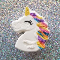 SMALL UNICORN RELEASE BATH BOMBS