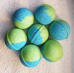OCHOSI BATH BOMBS